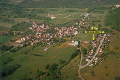 Vue aérienne du village d'anteuil